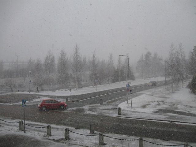 800px-snowfall_in_oulu